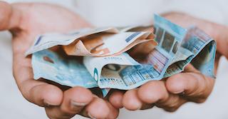 20-und 50-Euro-Scheine, die durch eine Mietminderung gespart wurden