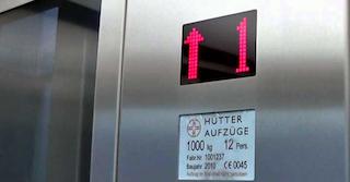 Aufzug im Mietrecht: Die Kosten sollten bei der Miete berücksichtigt werden.
